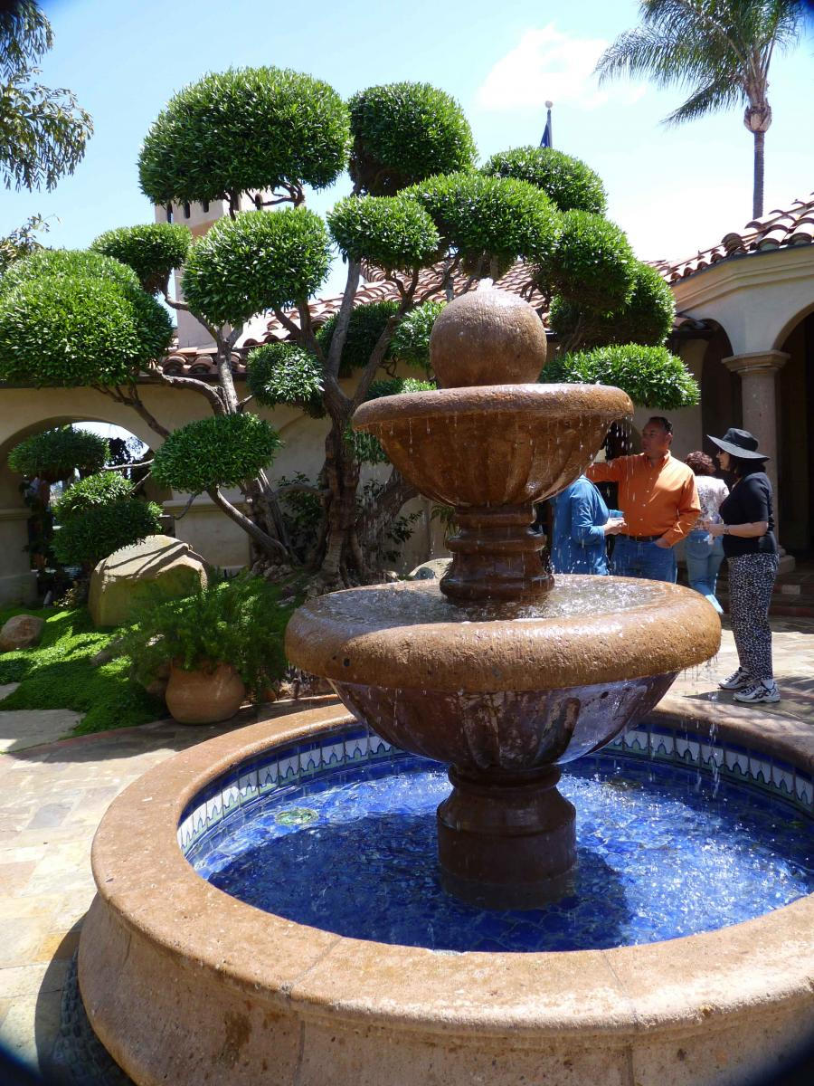 Hidden gardens of mt helix a mediterranean masterpiece for Mexican style outdoor fountains