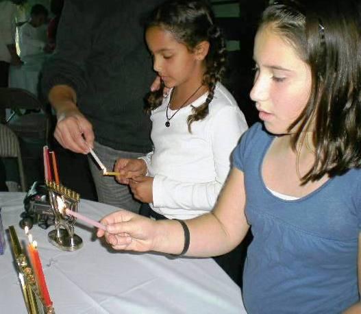 Rachel kornberg and shayna farajzadeh third graders at s d jewish